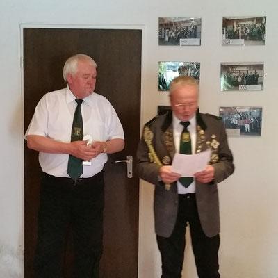 Heiner Hebbe und Klaus von der Fecht bei der Preisverteilung