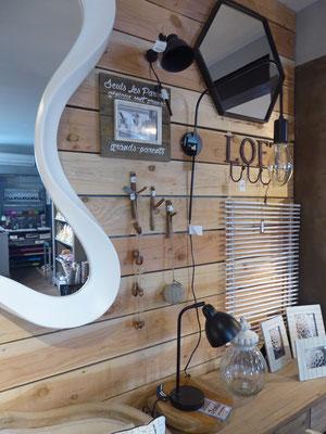 Luminaires, miroirs, coussins toute la décoration tendance dans la Boutique Idego