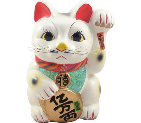 Japanische Maneki-Neko aus Keramik. Sie lockt durch Ihr Winken ständig Kunden an und bringt Wohlstand und Glück.