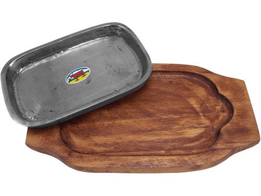 Die Servierplatte hat eine Vertiefung für die Eisenpfanne. Dadurch wird ein Verrutschen der heißen Platte vorgebeugt.