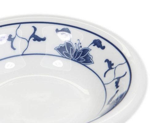 Detailaufnahme: Gewürzschale aus Tatung, Li, Cameo oder Datung Porzellan mit blauem Lotus Motiv (Motivnr. 518 / 255). In verschiedenen Größen und Motiven erhältlich.