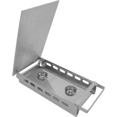 Der Aluminiumdeckel kann per Scharnier geöffnet werden. 2 Kerzenhalter für optimal Erwärmung.