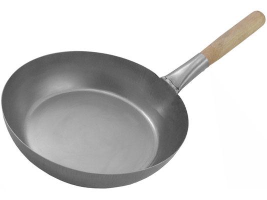 Leichte Chinapfanne mit flachem Boden und hohem Rand ideal für große Mengen an Speisen oder Suppen und Soßen.