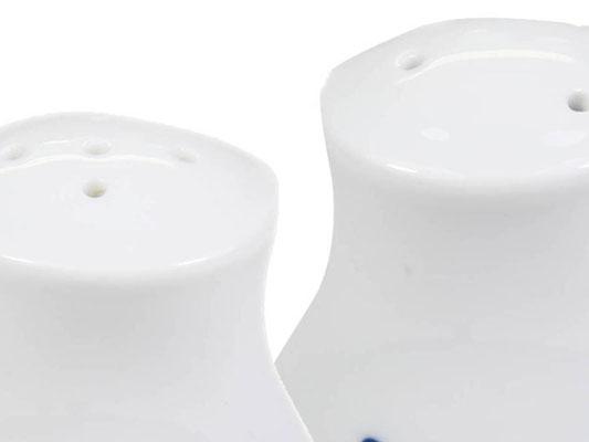 Detailaufnahme: Menage bestehend aus Salz- & Pfefferstreuer aus Tatung, Li, Cameo oder Datung Porzellan mit blauem Lotus Motiv (Motivnr. 518 / 255). In verschiedenen Größen und Motiven erhältlich.