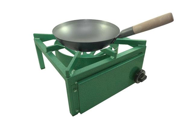 Der Gaskocher eignet sich aufgrund seiner geringen Abmaße und des geringen Gewichts als Auftischlösung oder für mobiles Kochen mit Woks.