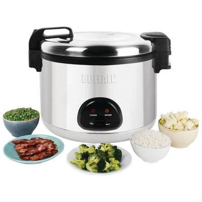 Servierbeispiel Buffalo Reiskocher 9 Liter. Geeignet zum Reiskochen und Dämpfen von Gemüse, Fisch und Fleisch.