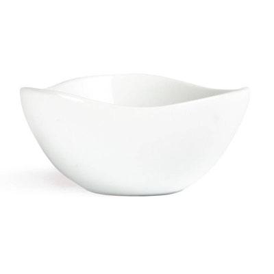 Whiteware Schale mit wellenförmigem Rand. Modernes Design für hohe Ansprüche.