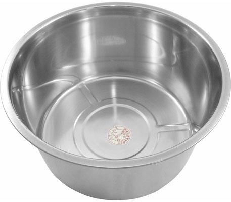 """Küchenschüssel der Marke """"JL"""" aus Japan. Vielseitig verwendbar. Mit seiner Gesamtkapazität von 10 Litern ideal zum Einlegen und Marinieren von Fleisch und Geflügel."""