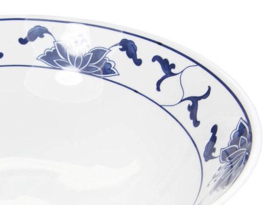 Detailaufnahme: Suppenschale ohne Rand aus Tatung, Li, Cameo oder Datung Porzellan mit blauem Lotus Motiv (Motivnr. 518 / 255). In verschiedenen Größen und Motiven erhältlich.