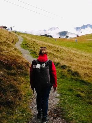 Wandern mit Kind und Rucksack