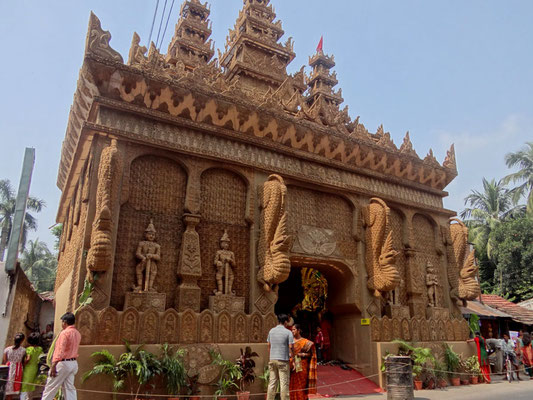Artificial temple made by the jute for this PUJA festive period. (Calcutta)