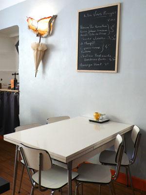 Chez Chiffon, bistrot, brocante, bar à vin, intérieur, Tallard