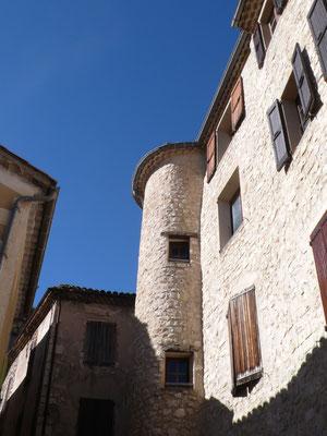 Orpierre, vieil Orpierre, village médiéval, architecture