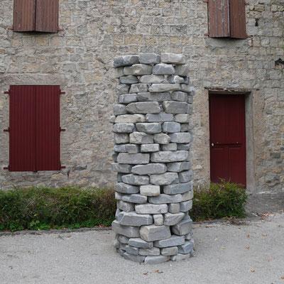 Château Montmaur, cour, exposition, sculpture, Cédric Rouzé, Hautes Alpes