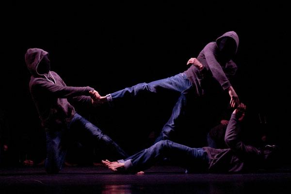 La mécanique des Ombres, NaïF production, hip hop acrobatique, danse, théâtre La passerelle