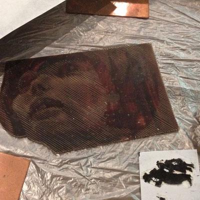 Plaque, linogravure, Mireille Mathieu, Gérard Boisard, Musée muséum départemental des Hautes-Alpes