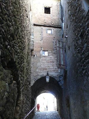 Tallard, Vue, rue médiévale, Hautes Alpes