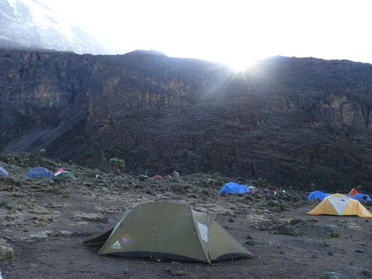 Barranco Camp auf 3970 m Höhe mit der Barranoco Wall