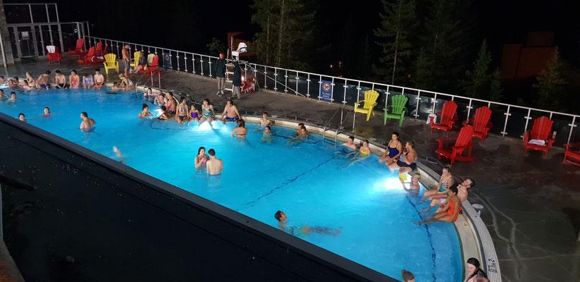 Hot Springs - ein schwefelhaltiges Freibad in Banff