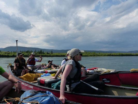 Gruppenflößing auf dem Yukon