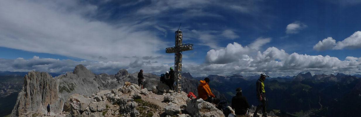 Gipfel Rotwand 2806m im Rosengarten-Dolomiten