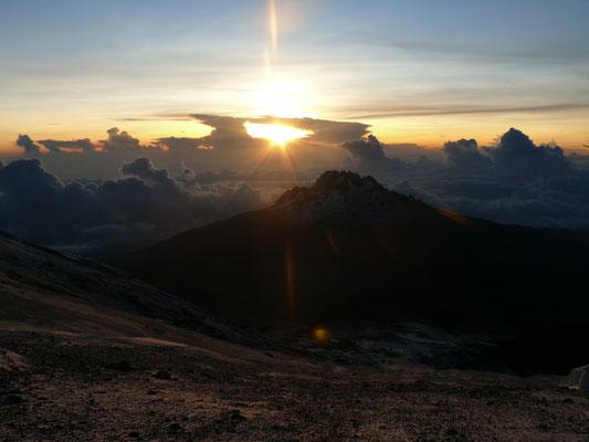 Sonnenaufgang auf dem Kilimanscharo