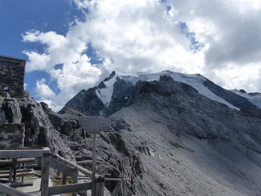 Payerhütte (3020m) mit Ortler