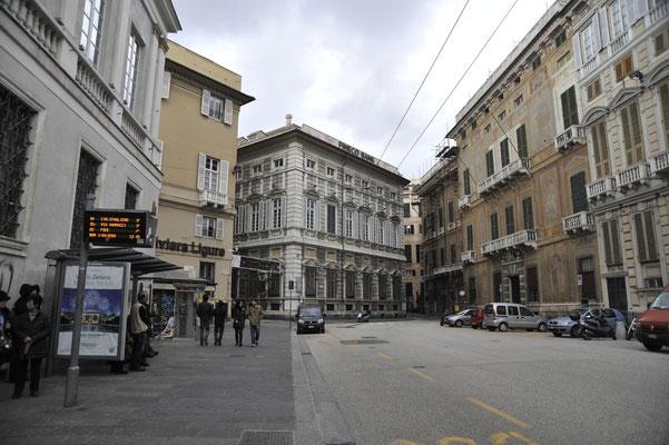 イタリア最大の港湾都市ジェノバ28