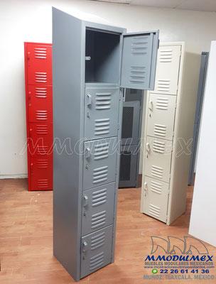 lockers metálicos grises