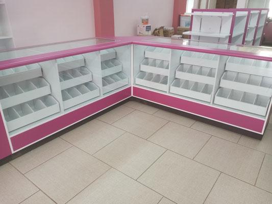 Muebles para farmacias, vitrinas para farmacias, mostradores para papelerías, mostradores para farmacias, estantes para tiendas
