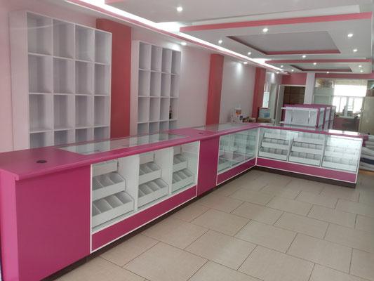 Muebles para farmacias, vitrinas para farmacias, mostradores para papelerías