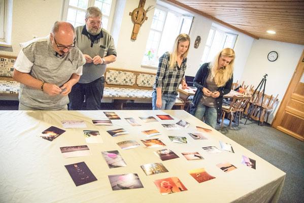 Hannberger Fotopreis 2017: Die Juroren bei der Jurysitzung im Juni in Hannberg