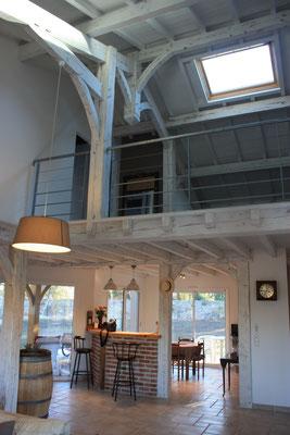 Maison neuve davec charpente apparente dans les landes - Construction Bernard Lacaze et Fils
