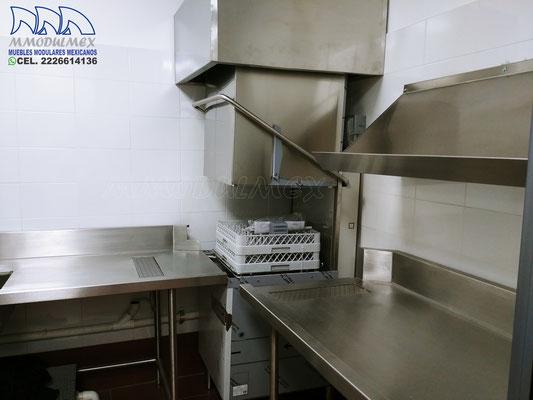 Muebles de acero inoxidable para cocinas industriales, comedores y restaurantes, tarjas de acero, mesas de trabajo de acero, campanas de acero inoxidable