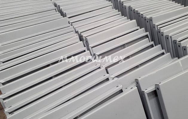 Postes metálicos para estantes metálicos entrepaños metálicos