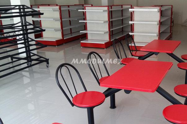 Mesas para comensales de tiendas oxxo