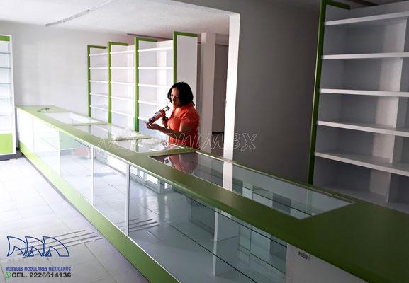 Aparadores para farmacias, vitrinas para farmacias, muebles para farmacias