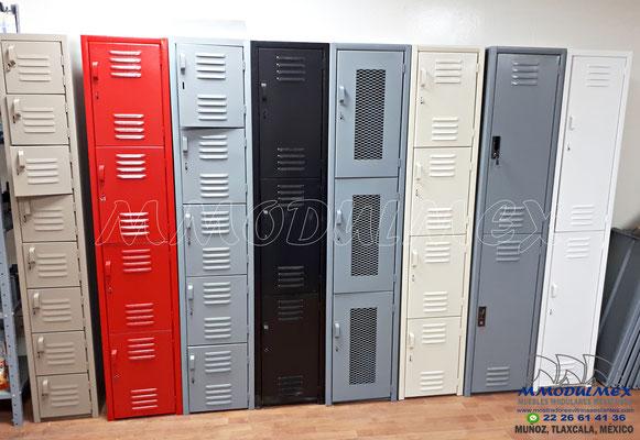 Lockers metálicos con colores y puertas especiales
