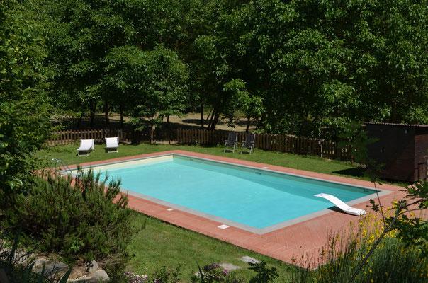 La piscina esclusiva dell'agriturismo Casa al Fiume