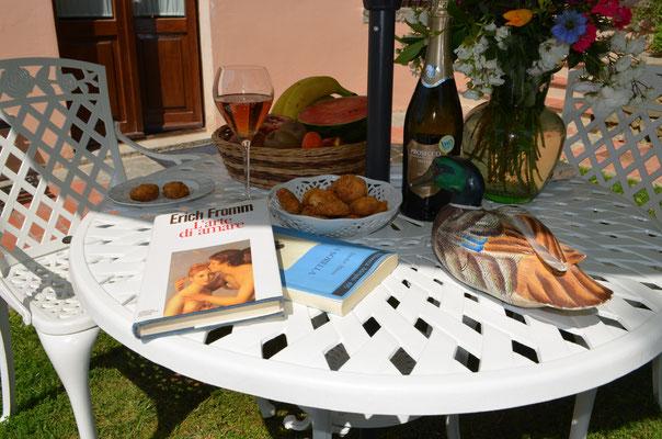 Relax time in giardino dell' Hotel BB A-Loro di Terranuova Bracciolini