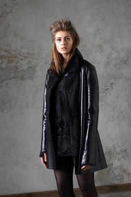Spanisches Seidenlamm Kroko-Prägung Swakara Kleid