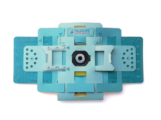 Ein aufgebautes und einsatzbereites Foldscope
