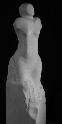 "Cristallina Marmor ""Befreiung"" 65 x 35 x28 cm"