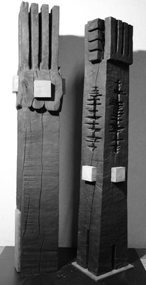Stelen Holz gebrannt mit Eisen 165x30/ 170x33 cm