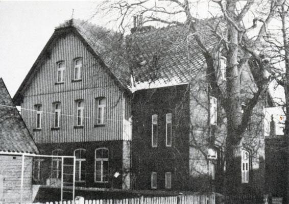 Schule in der Schulstraße, erbaut 1906 (Foto private Sammlung)