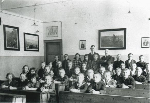 Klassenraum im Küsterhaus (Schulstraße) (Foto private Sammlung)