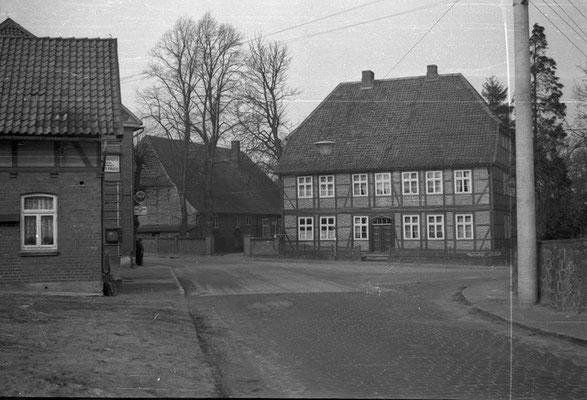"Pastorenhaus mit ""Ochsenschule""  (Foto Dr. Jürgen Quehl, ca. 1957"