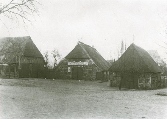 Der Josthof (1915) Im Mittelalter war der Hof im Besitz des Bischofs von Verden, später Dorfkrug; zuletzt Romantik-Hotel und Restaurant; im April 2017 abgebrannt (Foto private Sammlung)