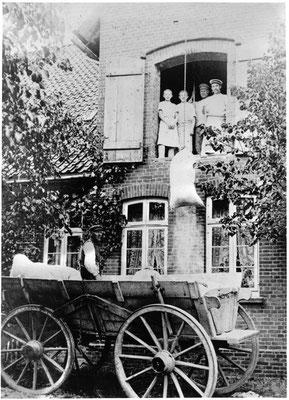 Bäckerei Ackenhusen  (1908)  heute: Praxis Dr. Quehl, Bahnhofstr. 4 (Foto private Sammlung)