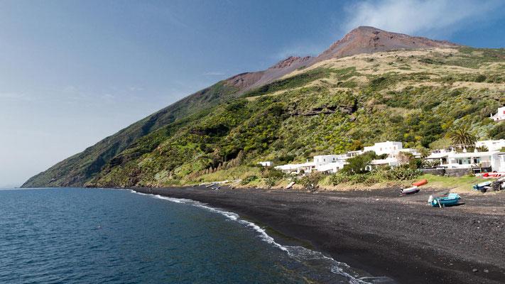 Plage à Stromboli, Iles Eoliennes, Italie